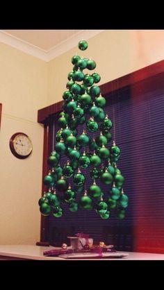 Парящая елка