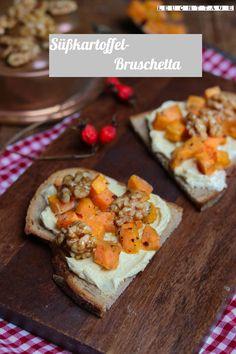 Bruschetta mit Curry-Dip und gerösteten Süßkartoffeln