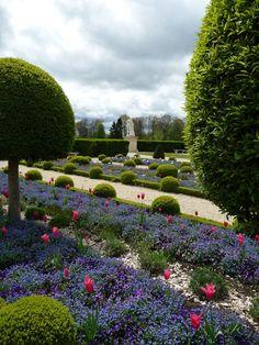 France l architecture on pinterest chateaus frances o for Le jardin hivernal du off paris seine