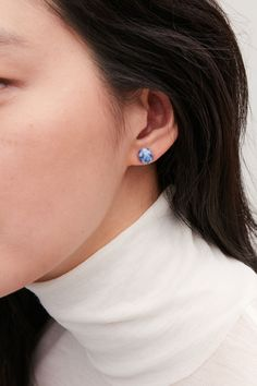 Geometric shapes and delicate lines; shop women's necklaces, rings and earrings from our jewelry collection at COS. Stone Earrings, Geometric Shapes, Jewelry Collection, Women Jewelry, Cos, Bangles, Detailed Image, Accessories, Blue