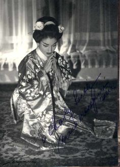Maria Callas as Madame Butterfly  I really, really wish I could sing like this!