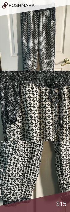 Boho Print Harem Pants Lightweight harem pants, perfect for summer. American Eagle Outfitters Pants