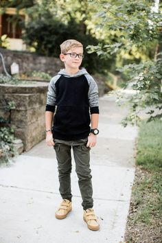 Back to School with Screen Time Tips and Nordstrom Kid's StyleYou can find Teen boy style and more on our website.Back to School with Screen Time Tips and Nordstrom Kid's . Tween Boy Fashion, Tween Boy Outfits, Toddler Fashion, Outfits For Teens, School Outfits For Boys, Tween Boy Clothes, Simple Outfits, School Picture Outfits, Boys Clothes Style