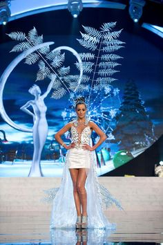 MIss Universe National Costumes 2012  MIss New Zealand