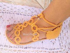 Encontré estas lindas sandalias hechas en crochet están muy sencilla de realizar se compran las suelas y hay unas rueditas que venden en alg...
