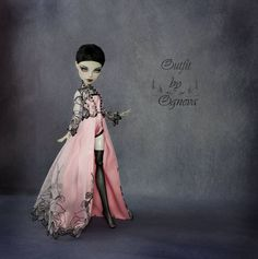 "274 Likes, 5 Comments - Огнева Оксана (@ogneva_show_room) on Instagram: ""#dolls#одеждадлякукол#монстерхай #авторскаяработа#ooak#ооак #hendmade#хендмейд#monsterhigh #doll…"""
