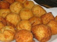 Receita de Bolinho de batata - bolinhos, passe na farinha de rosca, no ovo e, por último, no queijo ralado....