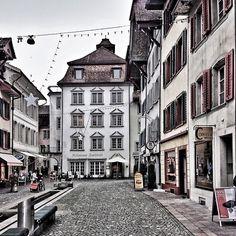 Pelzgasse 7 - Altstadt Aarau Green Nature, Future Travel, Small Towns, Switzerland, Accessories, Fashion, Old Town, Moda, Fashion Styles