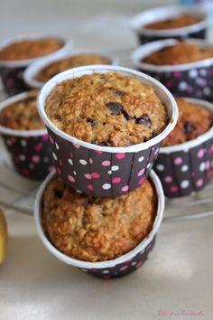 Muffin bananes & flocons d'avoine {sans beurre Bananenmuffins & Haferflocken {ohne Butter} Healthy Cupcake Recipes, Healthy Muffins, Healthy Sweets, Gourmet Recipes, Baking Recipes, Cookie Recipes, The Oatmeal, Oatmeal Flour, Banana Oatmeal Muffins