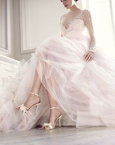 La nouvelle collection Jimmy Choo Mariage 2016 http://www.vogue.fr/mariage/adresses/diaporama/la-nouvelle-collection-jimmy-choo-mariage-2016/25094#la-nouvelle-collection-jimmy-choo-mariage-2016-11