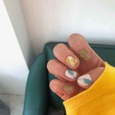 How to choose your fake nails? - My Nails Minimalist Nails, Halloween Nail Designs, Halloween Nails, Trendy Nails, Cute Nails, Nagellack Design, Nagel Gel, Nail Decorations, Perfect Nails