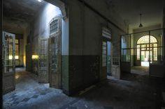<p>El interior de un antiguo hospital psiquiátrico abandonado. <i>(Foto: Stefan Baumann/Media Drum World/Caters News) </i></p>