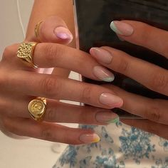 rings n' nails - :do you get manicures? Stylish Nails, Trendy Nails, Hair And Nails, My Nails, Glitter Nails, S And S Nails, Nagellack Trends, Fire Nails, Minimalist Nails