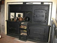 What a Stunningly Beautiful Wood Stove! This wood stove is absolutely gorgeous. Do you know who this stove belongs to or the name of the manufacturer?