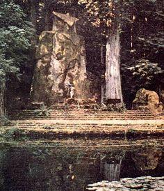Bohemian Grove: Giant Statue of Moloch for Cremation of Care ceremony Owl Symbolism, Bohemian Grove, Masonic Symbols, Thing 1, Hotel California, Flat Earth, Central Europe, New World Order, Illuminati