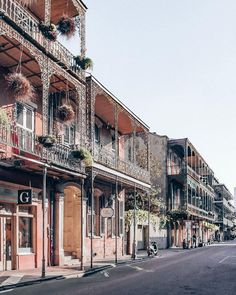 Take time to visit the French Quarter during the daytime too to enjoy the beautiful architecture. Nova Orleans, New Orleans Louisiana, Las Vegas Hotels, Florida Caverns State Park, New Orleans Apartment, Camping Hacks, New Orleans Decor, New Orleans Architecture, Orlando