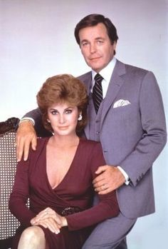 Robert Wagner & Stefanie Powers - Hart to Hart Stephanie Powers, Hart Pictures, Epic Pictures, Best Tv Shows, Favorite Tv Shows, Detective, Tv Show Couples, Classic Movie Stars, Romantic Couples