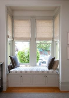 Wonderful Useful Ideas: Vertical Blinds Rustic patio blinds design.Patio Blinds Design blinds for windows how to make.Modern Blinds For Windows. Bay Window Curtains, Bedroom Windows, Curtains With Blinds, Roman Blinds, Grey Blinds, Window Blinds, Privacy Blinds, Blinds Diy, Sheer Blinds