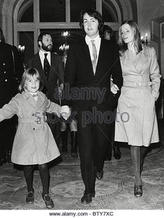 Paul Mccartney And Linda Wedding Day The Couple Married At Marylebone Registry Office Was