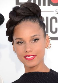 Alicia Keys Braided Updo Haircut: The creative and stunning bun is braided, rolled and pinned to the top of the head to get the fabulous hairstyle that is excellent for any special occasion. The low-fuss up-style is most suitable for women after a look with height and exposure. This is a graceful up-style that is …