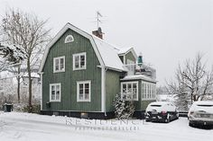 Love the color Swedish Cottage, Swedish House, Cozy Cottage, Nordic Home, Scandinavian Home, Home Focus, Dutch Colonial, Wooden House, Simple House