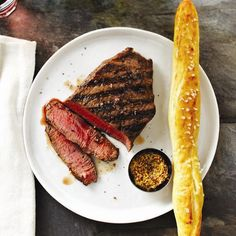 Learn how to cook a perfect steak indoors, and how to get that ultimate brown crust! More quick cooking tips at Chatelaine.com!