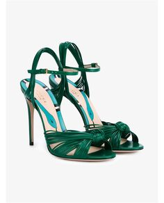 GUCCI Leather Knot Sandals. #gucci #shoes #sandals