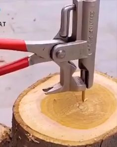 Diy Wooden Projects, Wooden Diy, Homemade Tools, Home Gadgets, Woodworking Workshop, Diy Electronics, Diy Home Crafts, Home Repair, Inventions