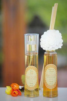 Kit Difusor Pet 120 ml + Home Spray aromas Jasmim, Vanily e Plátinum (floral cítrico amadeirado). R$ 39,90 e R$ 49,90.