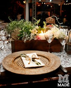 boda campestre, vintages, bajo plato, wedding, Field Wedding, servilletas, flow, centros de mesa, flowers. flores, romero, evento