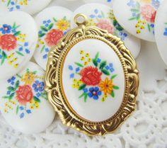 Vintage+Bright+Rose+Bouquet+Cabochons+by+alyssabethsvintage,+$3.85