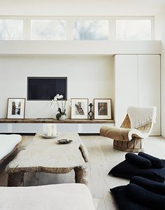 Home Decor Cozy {obsession with all white interior spaces}.Home Decor Cozy {obsession with all white interior spaces} Home Living Room, Living Area, Living Spaces, Living Room Without Fireplace, Living Room Inspiration, Interior Inspiration, Interior Ideas, Interior Styling, Design Inspiration