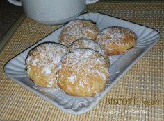 Rimarrete stupiti dalla bontà di questi biscotti leggeri, delicati e fragranti. Ci sono tantissimi biscotti perfetti per accompagnare una calda tazza di ...