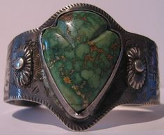 VINTAGE NAVAJO INDIAN SILVER GREEN TURQUOISE ARROWHEAD WHIRLING LOG BRACELET #Cuff