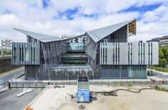 Fifteen architecture firms gave Paris' longest building a new lease of life - News - Frameweb