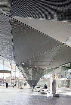 Вокзал скоростных поездов в Логроньо © Jose Hevia
