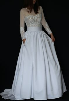 6cc4e5b745b4 Svatební šaty s dlouhými rukávy a velkou sukní   Zboží prodejce Dyona