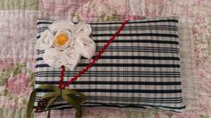 Fluffy soft pillows galore! par Repurposed Treasures by M sur Etsy