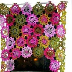 Cortina Crochet Mandala Pattern, Crochet Square Patterns, Flower Patterns, Crochet Home Decor, Crochet Crafts, Crochet Projects, Crochet Curtains, Crochet Cushions, Irish Crochet