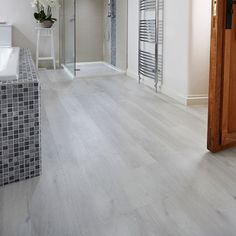 Karndean Van Gogh Vinyl Flooring - White Washed Oak | FloorsUK | FloorsUK