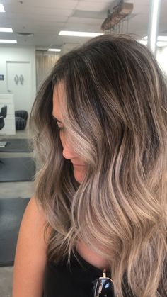 17 Stunning Examples of Balayage Dark Hair Color - Style My Hairs Brown Blonde Hair, Brown Hair With Highlights, Brown Hair Colors, Dark Hair, Hair Colors For Summer, Ash Brown Hair Dye, Hair Color Balayage, Blonde Color, Dark To Blonde Balayage
