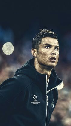 Looking for the Planet he came from. Cristiano Ronaldo Cr7, Cristiano Ronaldo Manchester, Cristino Ronaldo, Cristiano Ronaldo Wallpapers, Ronaldo Santos, World Best Football Player, Football Is Life, Football Players, Football Gif