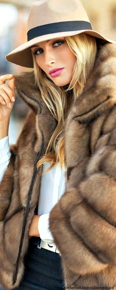 Winter style..may I please have this fur coat? #mode #fashion #luxury For more inspirations visit us at www.luxxu.net