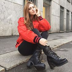 @chiaraferragni looking good in our Karen Lace Up Short boots. #thefryecompany