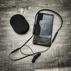 Blackberry Mobile Phones, Blackberry Keyone, Android Codes, Smartphones For Sale, Mobile Gadgets, Cool Cases, Black Edition, Technology Gadgets, Smart Phones