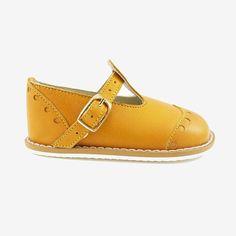 TO WALK (T-Bar Brogue Yellow - The Little Shoemaker)