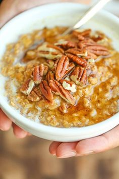 Damn Delicious Pumpkin Pie Oatmeal - Yes, pumpkin pie for breakfast is completely acceptable! And it's not only super healthy but this comes together in just 10 min! Pumpkin Recipes, Fall Recipes, Brunch Recipes, Breakfast Recipes, Breakfast Ideas, Pumpkin Pie Oatmeal, Pumpkin Puree, Pumpkin Spice, Cooking Recipes