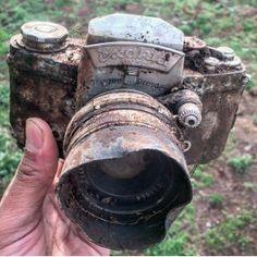 Anyone lose a camera say. Idk,,, maybe 80 years ago down at Eagle Creek?😎 I think we may have found Ansel Adams camera! Eagle Creek, Old Cameras, Vintage Cameras, Antique Cameras, Canon Cameras, Ansel Adams, Camera Gear, Vintage Photography, Camera Photography
