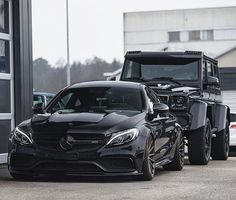 Discover more about three of the most expensive cars in the world: the Mercedes AMG ONE, the McLaren Speedtail and the Aston Martin Valkyrie. Mercedes Benz Amg, Mercedes Wheels, Carros Suv, C 63 Amg, Mercedez Benz, Latest Cars, Future Car, Amazing Cars, Awesome