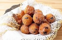 Ricetta Frittelle alle Mele e Uvetta - Il Club delle Ricette Biscotti, Doughnut, Cereal, Muffin, Yummy Food, Club, Cooking, Breakfast, Sweet
